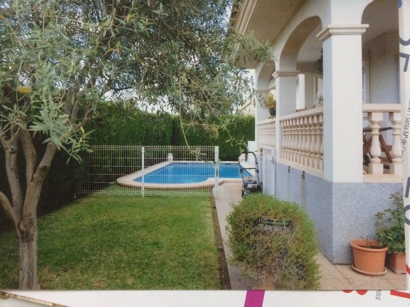 Casa independiente con jard n y piscina en zona marratxi for Casas con piscina mallorca