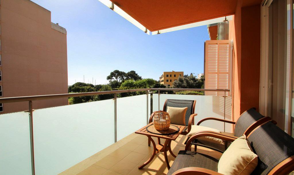 Luxus-Apartment, Terrasse, Pool, Garage, 3 Schlafzimmern, Paseo ...