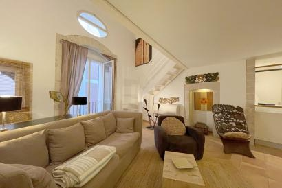 Furnished one bedroom penthouse with lift in Jaime III area, Palma