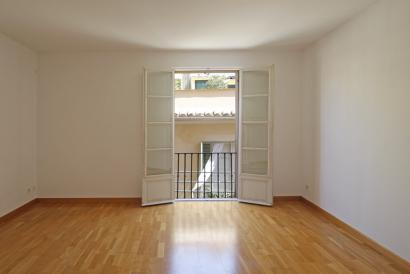 Old Town, unfurnished one bedroom  Apartment close to Plaza Mayor, Palma