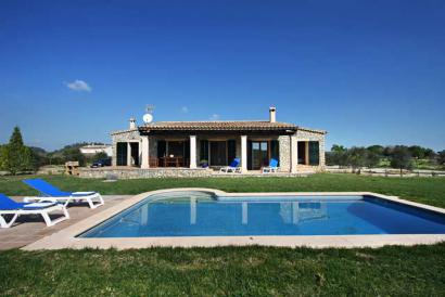Country house with pool and garden, Sineu