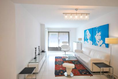 Apartment with garage and terrace. Blanquerna area
