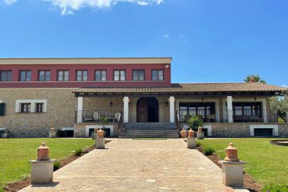 Casa de campo con fantasticas vista, jardin, piscina, bbq en Santa Maria.