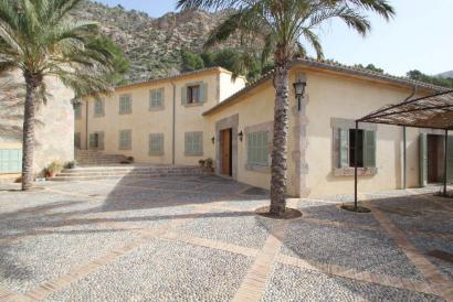 Country house with guest house, sea access, Andraitx area