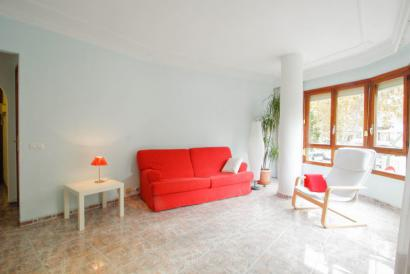 Pere Garau, Palma, spacious two bedroom apartment, furnished with lift.