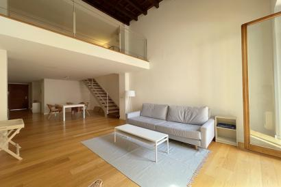 Unfurnished one bedroom duplex apartment with lift in Plaza cuadrado area, Palma