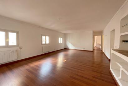 Altstadt Palma. Helle unmöblierte Wohnung mit 3 Schlafzimmer und Aufzug