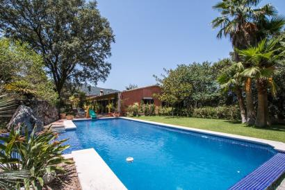 Finca with pool, mountain views and turistic licence in Esporles