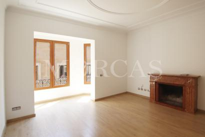 Luminoso apartamento sin amueblar de 3 dormitorios, 3 baños en Palma centro