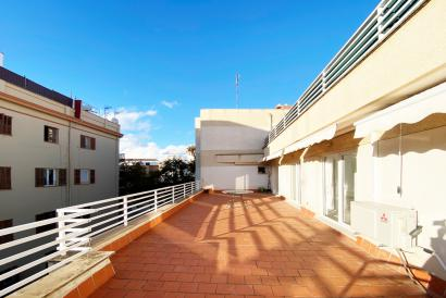Unfurnished loft stile aparment with terrace in area Foners and calle Manacor