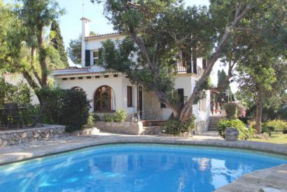 Charming family house en La Bonanova con garden and pool