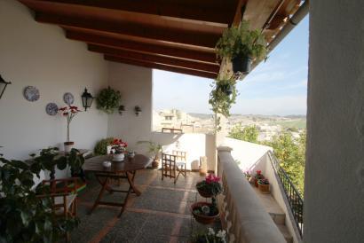 Village house with garden and views in Montuiri