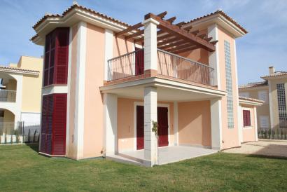 Neues Haus mit Garten und Schwimmpool Möglichkeit