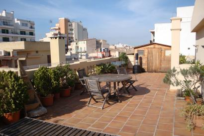 Penthouse with a big terrace in Calle Blanquerna in Palma