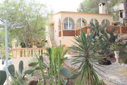House with terrace, garden and garage in Costa de la Calma