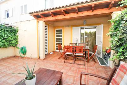 Semi-detached house with terrace Colegios area in Palma