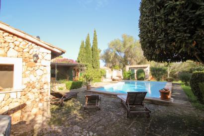 Santa Eugenia unfurnished house with swimming pool