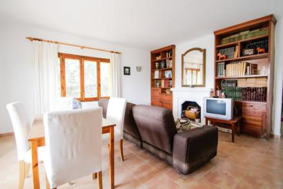 Villa with garden 5 minutes from the beach Cala Llombarts