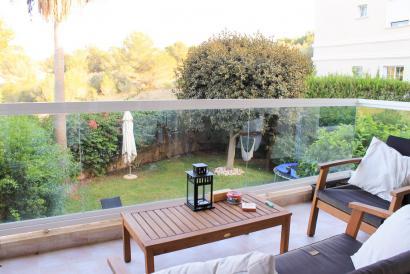 Palma La Bonanova apartment with pool and views