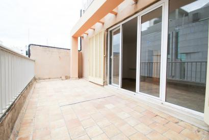 Unfurnished apartment with terrace next to Corte Ingles Avenidas