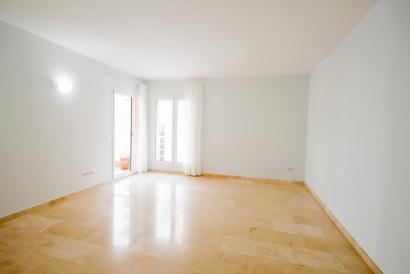 Unfurnished apartment with terrace Paseo Maritimo