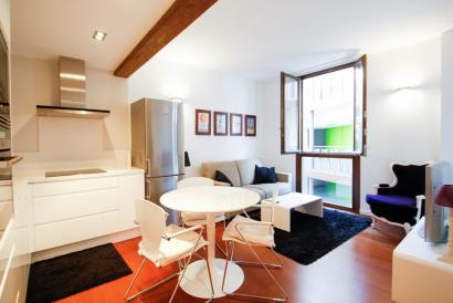 Old town,  furnished  apartment with parking