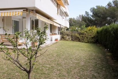 Unfurnished ground floor apartment in Cas Catala.
