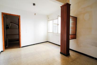 Old Town Palma Santa Eulalia apartment to renovate