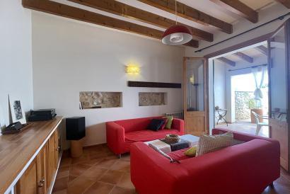 RESERVADA. Casa de pueblo amueblada, terraza y garaje, Villafranca