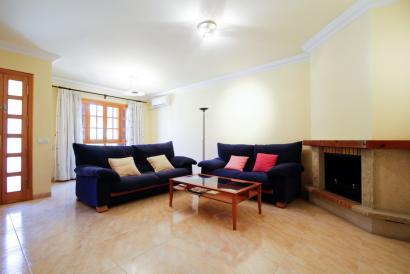 Möbliertes Haus mit Terrasse und Garage mit 4 Schlafzimmern in Son Ferriol, Palma