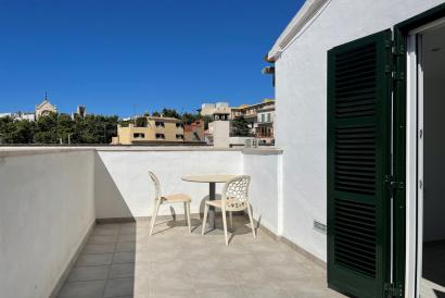 Semi-furnished Apartment with terrace, Plaza del Mercat in Palma