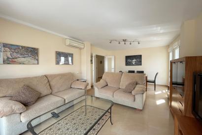 Apartamento amueblado con 3 dormitorios y ascensor en zona Paseo Marítimo