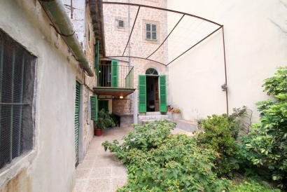 Casa de pueblo con jardín y terrazas en Soller