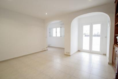 Unfurnished Attic-Apartment with terrace and lift in Jaime III area, Palma