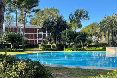 """Apartamento amueblado con terraza y parking en """"Es Pinar"""", Bendinat, Calviá"""