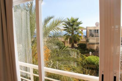 Sunny studio with lift, pool, garden and with direct descent to the sea in San Agustín.