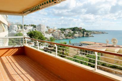 Sunny and spacious apartment with sea views, pool in San Agustin.