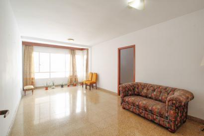 Apartamento para reformar, con ascensor, zona Plaza Patines, Palma