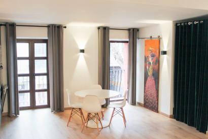Moderno apartamento duplex amueblado con terraza en Santa Catalina.