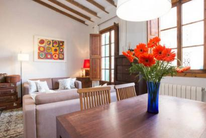 2 Bedrooms furnished apartment in Santa Catalina area, Palma