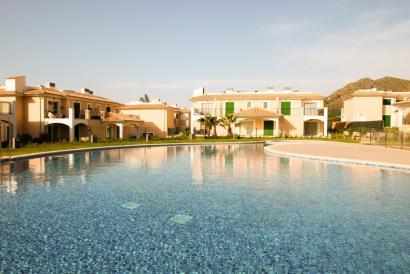 Brandneues Apartment mit Terrasse, Pool und Blick in Colonia San Pedro.