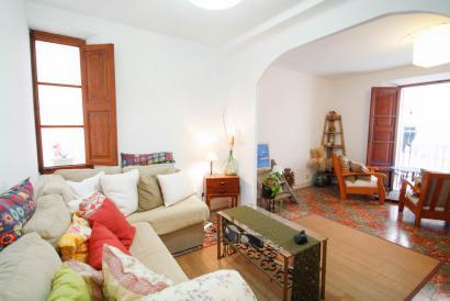 Fantastisch eingerichtete Wohnung mit zwei Schlafzimmern im historischen Zentrum von Palma.