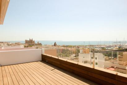 Luxuriös eingerichtetes Penthouse mit Terrasse und Meerblick in Jaime III Palma