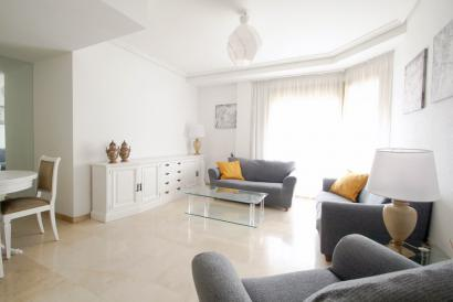 Apartamento amueblado, vista al mar, 4 dormitorios, zona Palacio de Congresos