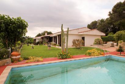 Casa de campo en Establiment para reformar, piscina con 6000 m² de terreno.
