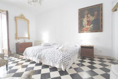 RESERVED. Monthly rental studio with terrace and views to the Cathedral in the Old Town, Palma