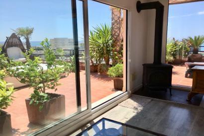 Ático amueblado con terraza y vistas al mar en Palma