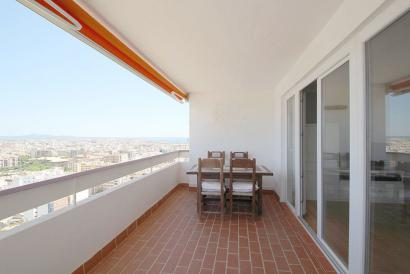 Apartment with terrace, parking and stunning views in Palma