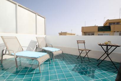 Hermoso apartamento de diseño con terraza en Ciudad Jardín cerca de la playa