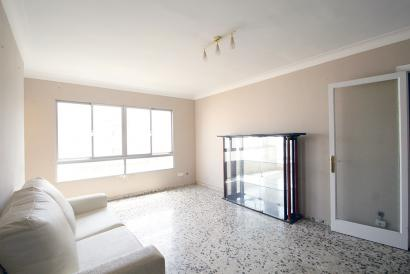 Apartamento muy soleado para reformar en Pere Garau, Palma